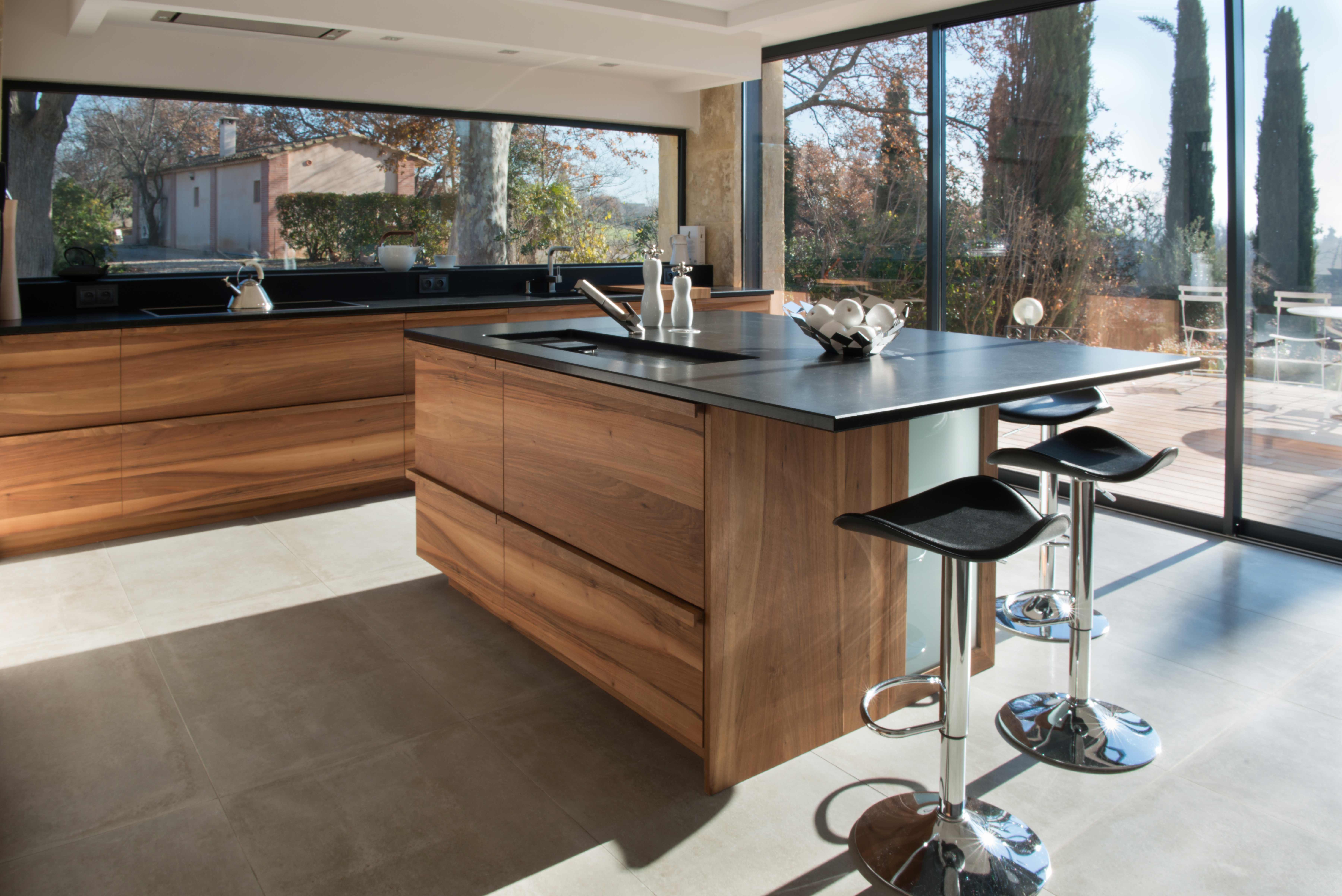 innovation noyer de france et granit noir 2 � cuisines