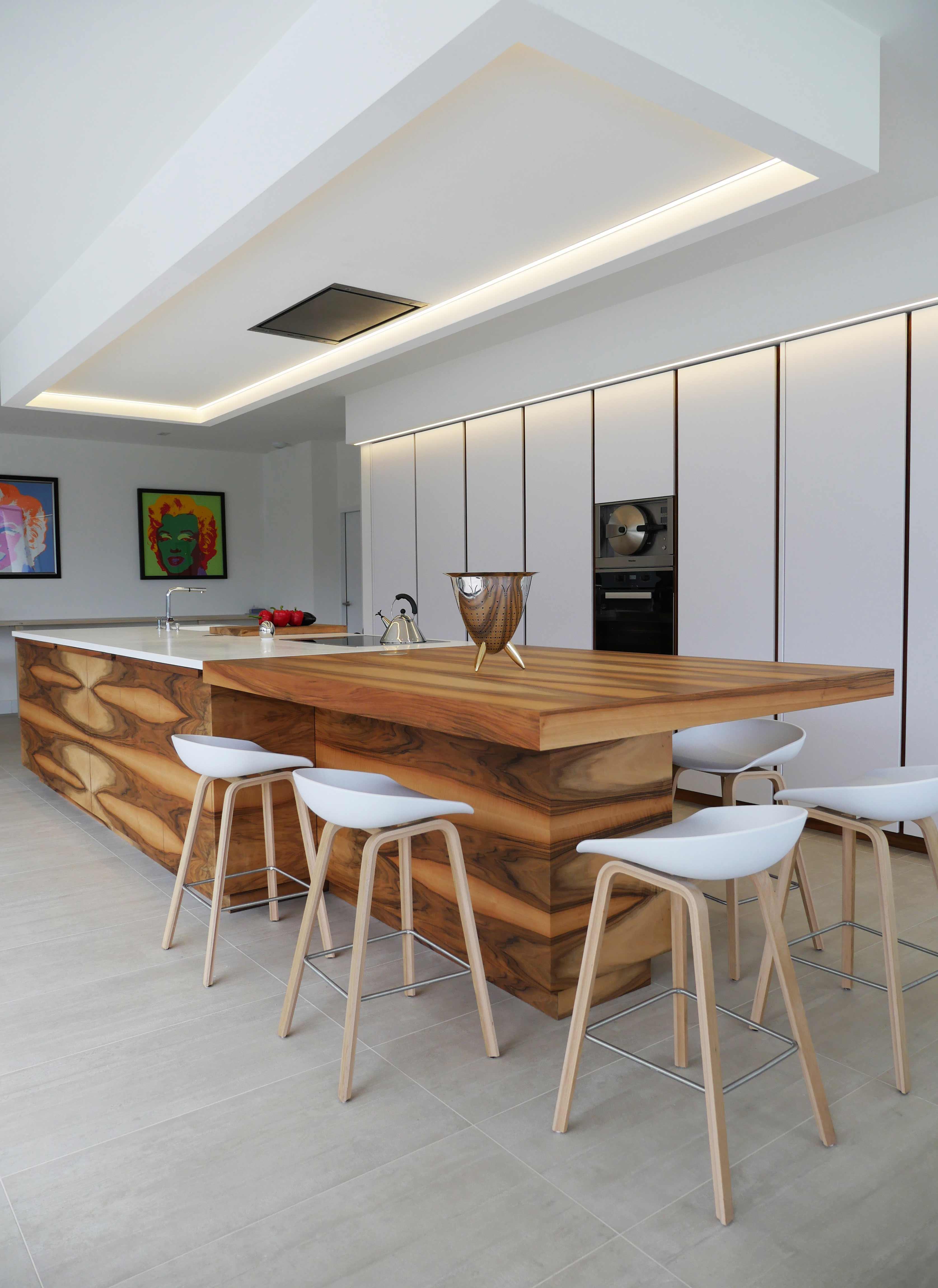 corian blanc top plan de travail cuisine corian design conception sur mesure plan de travail en. Black Bedroom Furniture Sets. Home Design Ideas